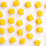 Enfeite Murano de Vidro Fosco Tcheco Cubo 7 x 8 mm Amarelo 710060